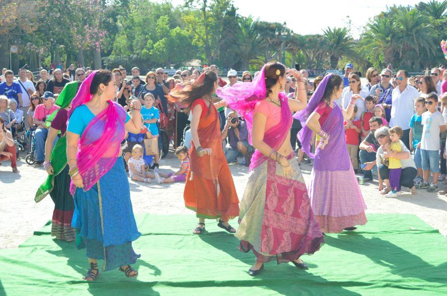 Espectáculo a cargo del grupo de Bollywood Sikhara Dance